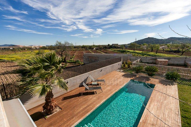 Ferienvermietung Mallorca familienfreundliche Villa Chalet mit Pool